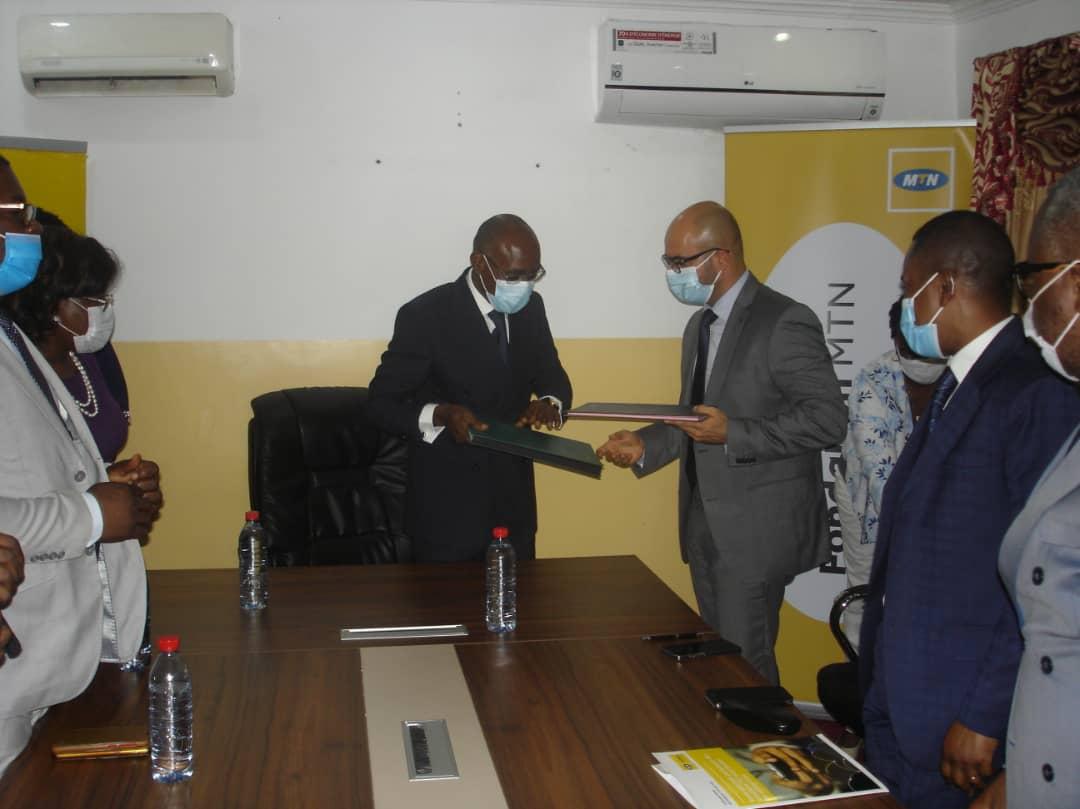 Un partenariat pour améliorer l'éducation numérique au Congo